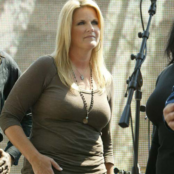 Patricia Lynn Yearwood Professionally Known As Trisha Yearwood Born September 19 1964 Beached Celebs