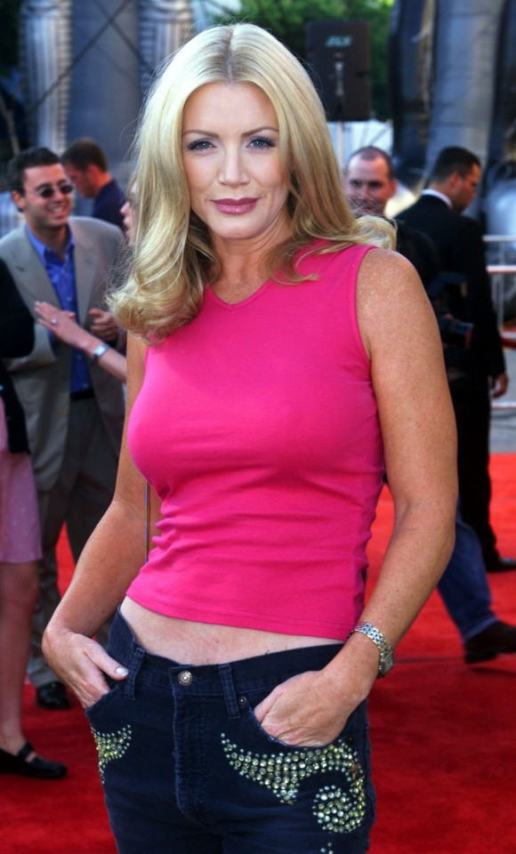 Shannon Tweed - Photo Colection
