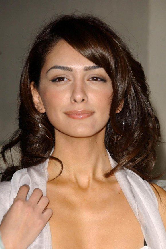 Nazanin Boniadi es una actriz iran  237   pero posee nacionalidad    Nazanin Boniadi